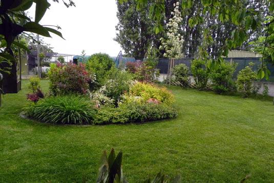 Realizzazione esterni signorini for Giardini esterni